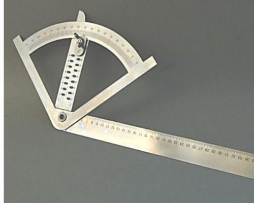 Tesařský úhloměr se stupnicí a orýsovacími otvory, nerez 430x795mm